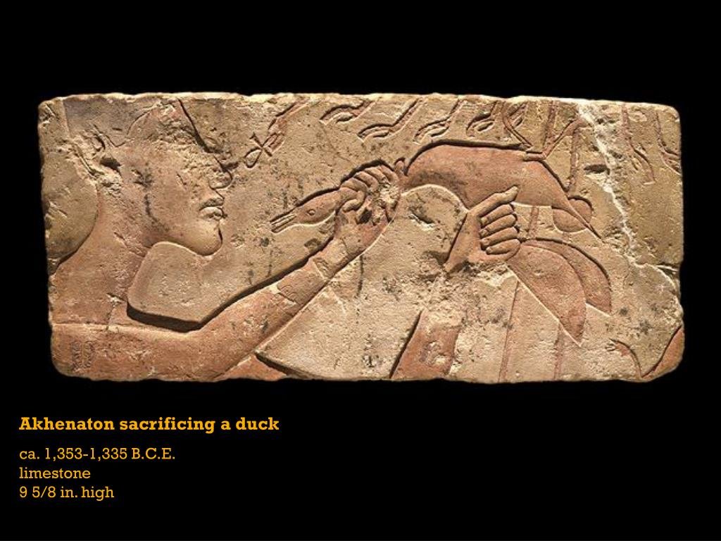 Akhenaton sacrificing a duck