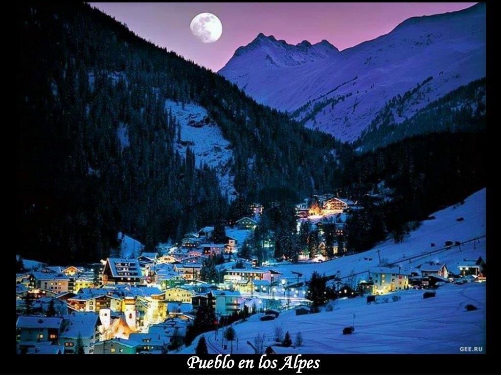 Pueblo en los Alpes