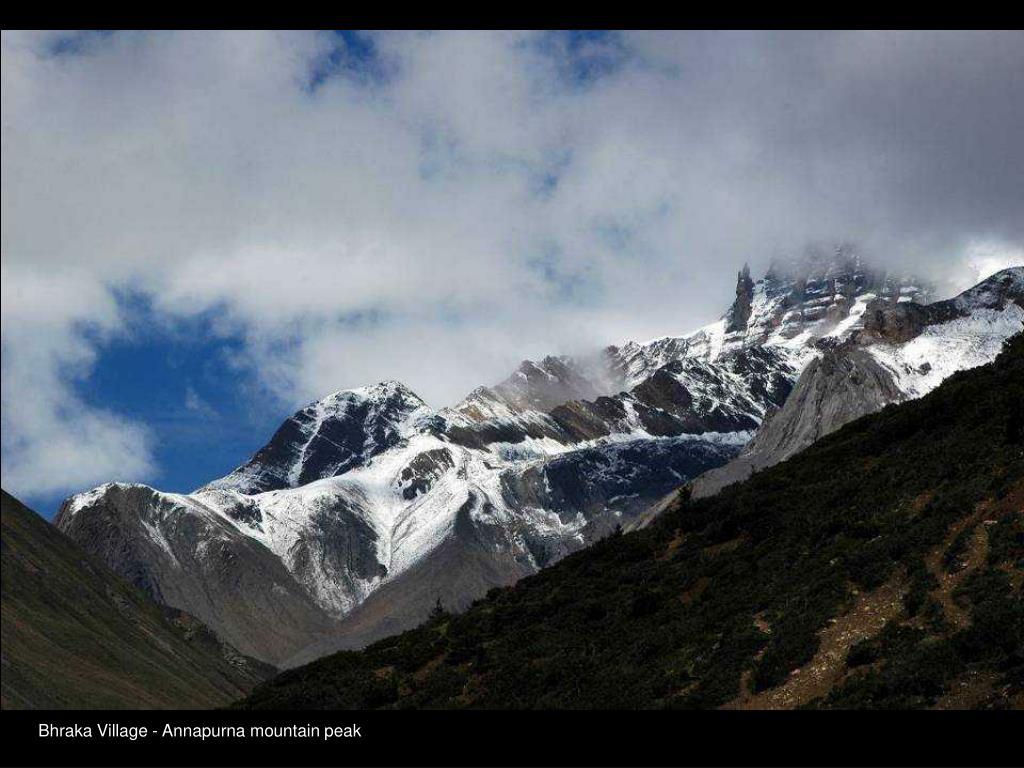 Bhraka Village - Annapurna mountain peak