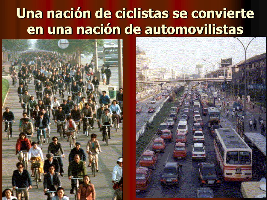 Una nación de ciclistas se convierte en una nación de automovilistas