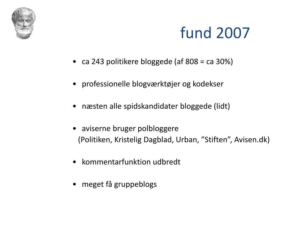 ca 243 politikere bloggede (af 808 = ca 30%)