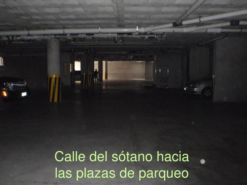Calle del sótano hacia
