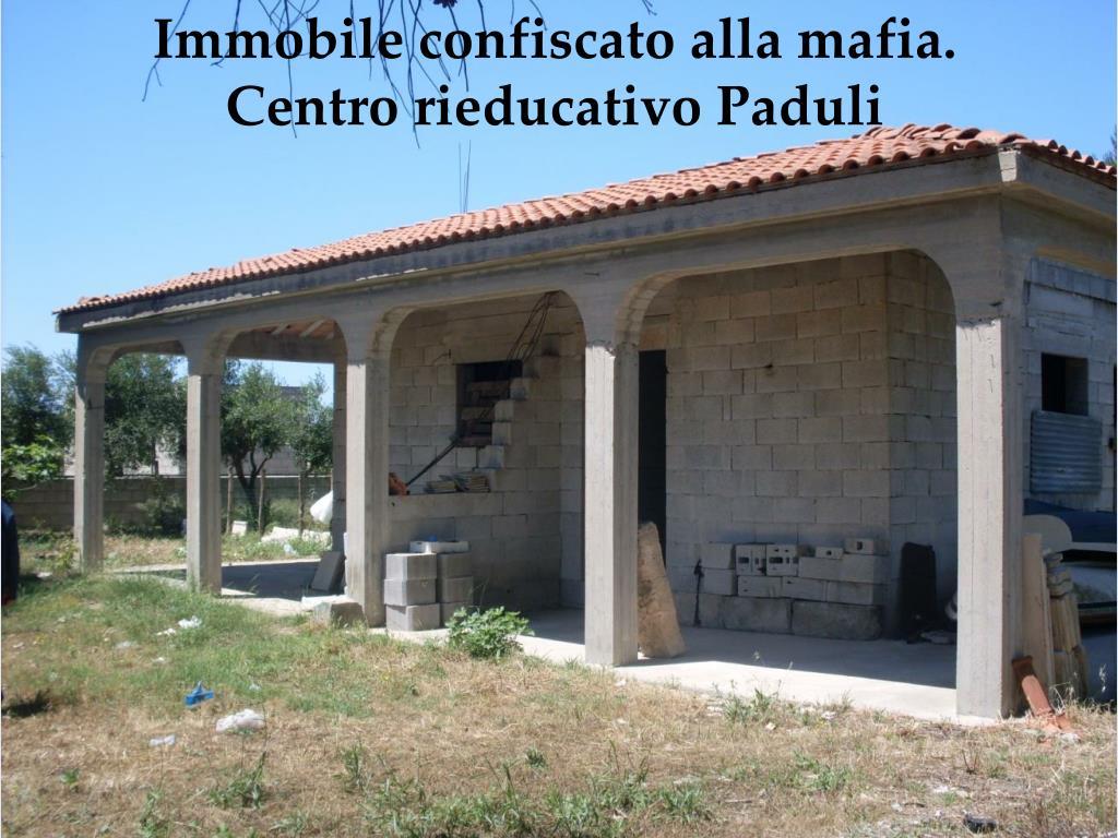 Immobile confiscato alla mafia.