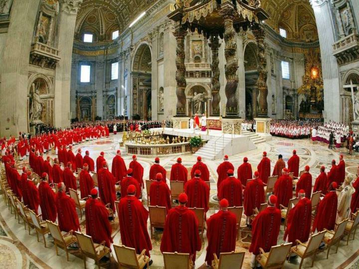 Esa decisión, conocida como el Concilio de Jerusalén, tuvo                      una importancia decisiva para la Historia del cristianismo.