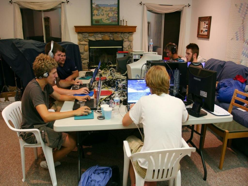 House-based LAN Party: