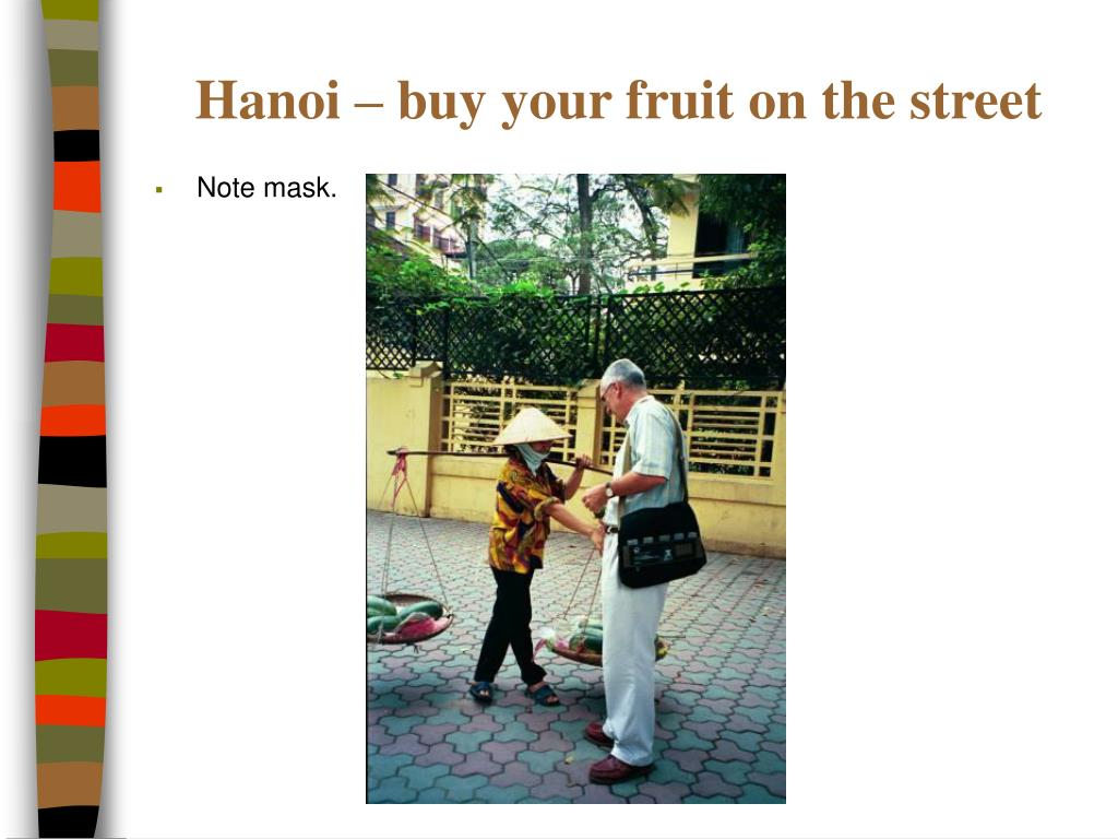 Hanoi – buy your fruit on the street