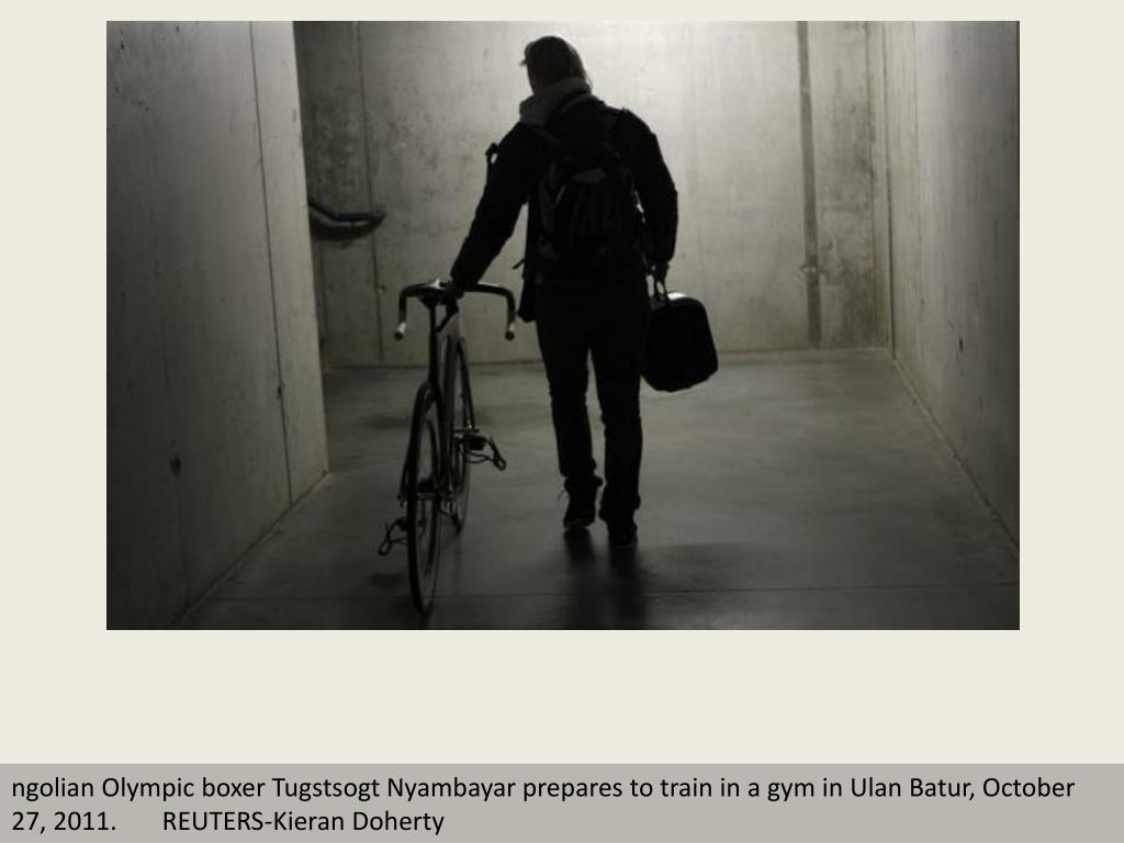 ngolian Olympic boxer Tugstsogt Nyambayar prepares to train in a gym in Ulan Batur, October 27, 2011.       REUTERS-Kieran Doherty