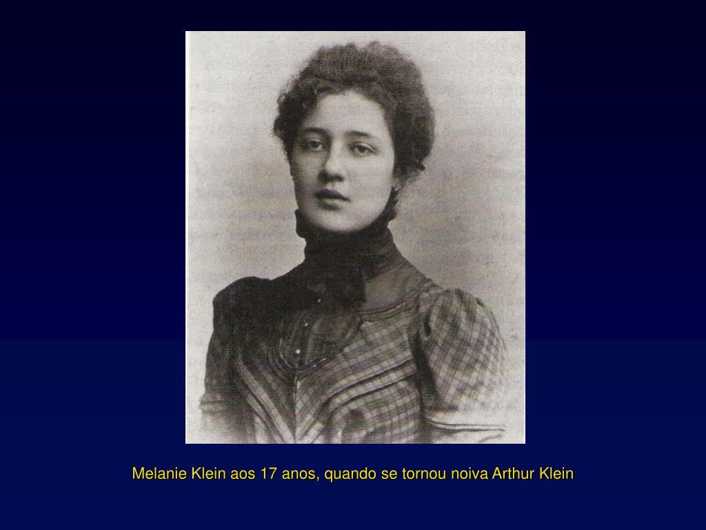Melanie Klein aos 17 anos, quando se tornou noiva Arthur Klein