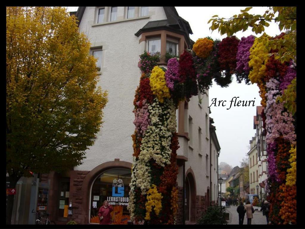 Arc fleuri