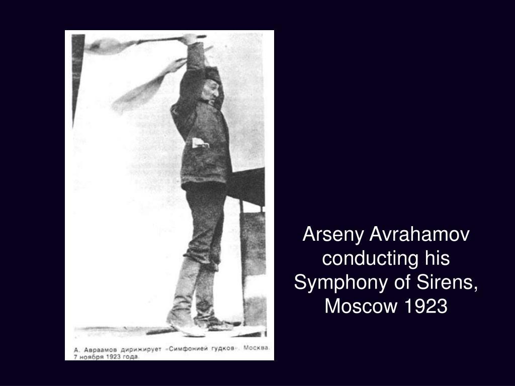 Arseny Avrahamov conducting his Symphony of Sirens,