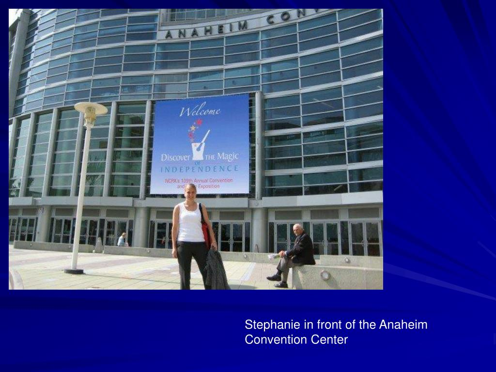Stephanie in front of the Anaheim Convention Center