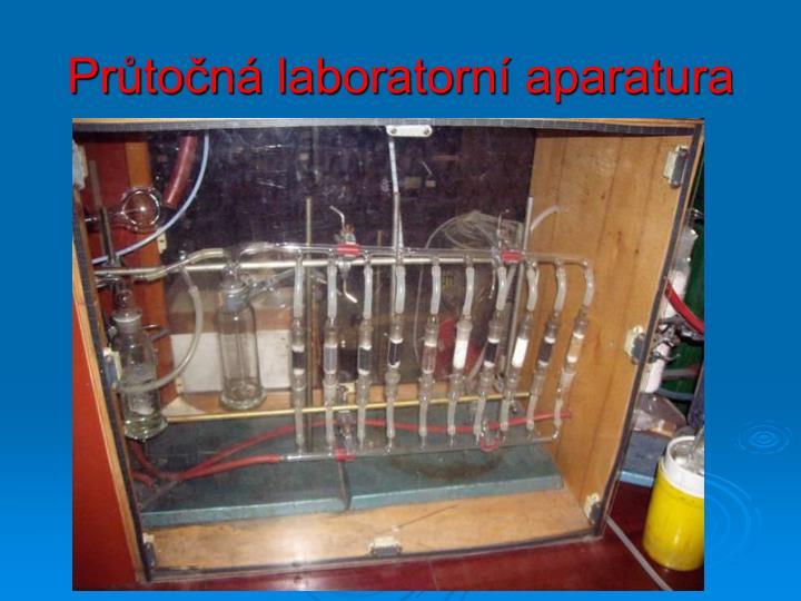 Průtočná laboratorní aparatura