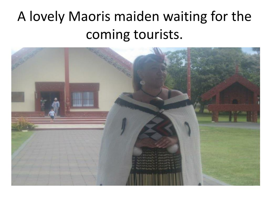 A lovely Maoris maiden waiting for the coming tourists.