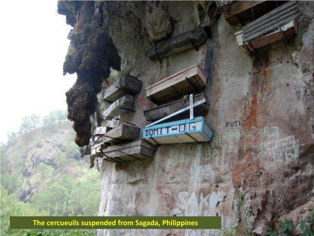 The cercueuils suspended from Sagada, Philippines