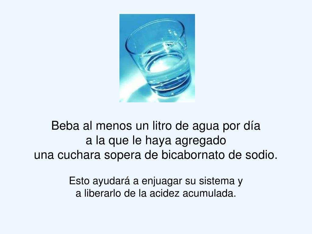 Beba al menos un litro de agua por día