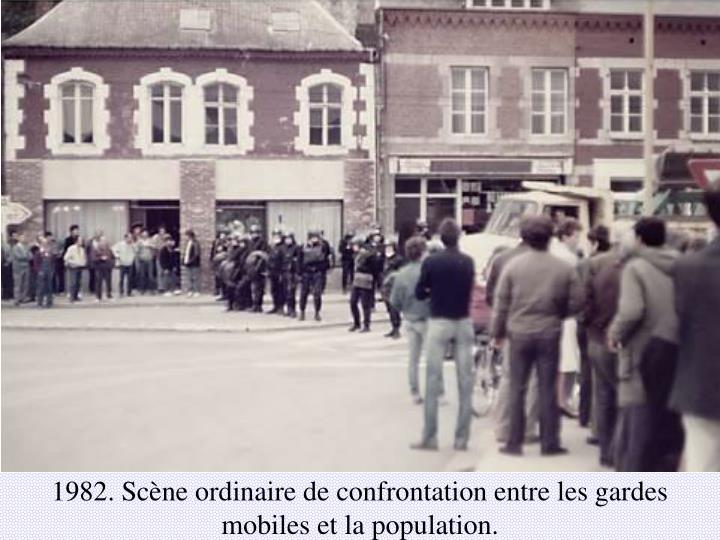 1982. Scène ordinaire de confrontation entre les gardes mobiles et la population.