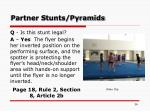 partner stunts pyramids36