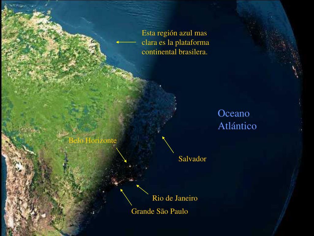 Esta región azul mas clara es la plataforma continental brasilera.