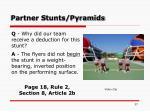 partner stunts pyramids37