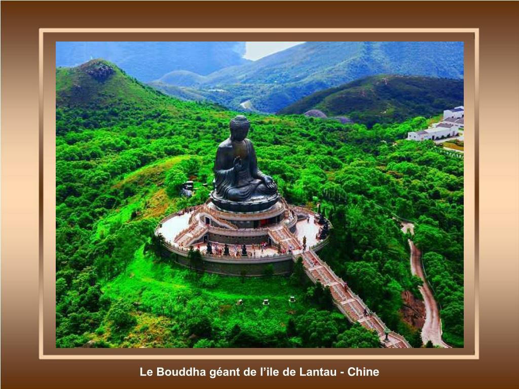 Le Bouddha géant de l'ile de Lantau - Chine