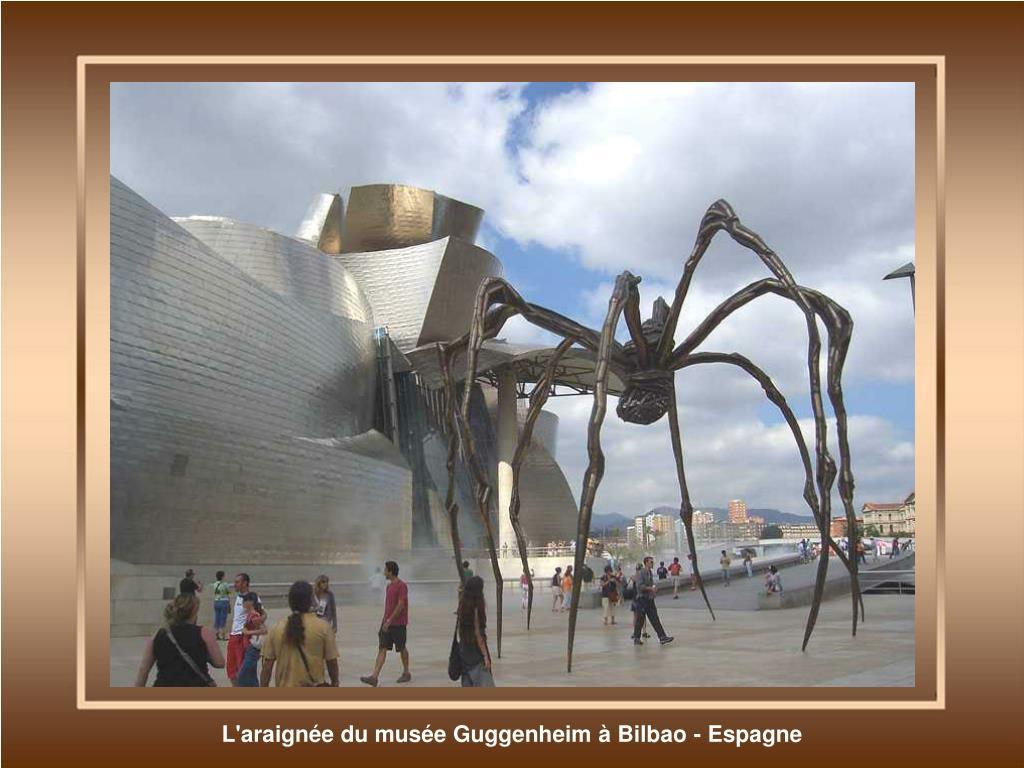 L'araignée du musée Guggenheim à Bilbao - Espagne