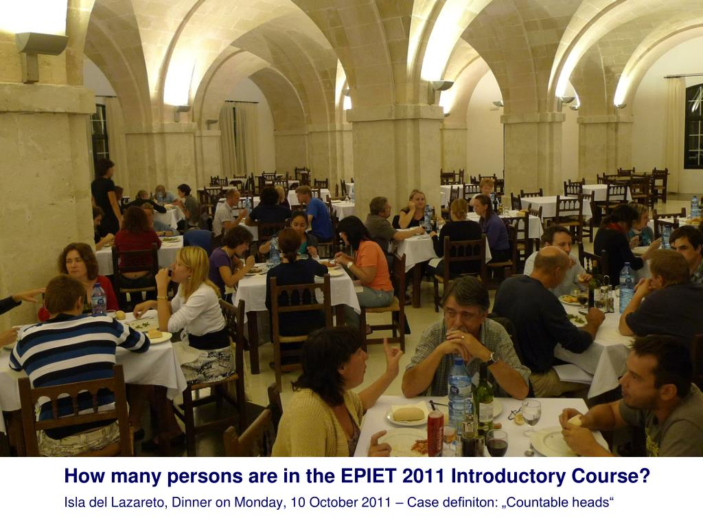 How many persons are in the EPIET 2011 Introductory Course?