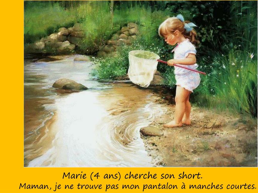 Marie (4 ans) cherche son short.