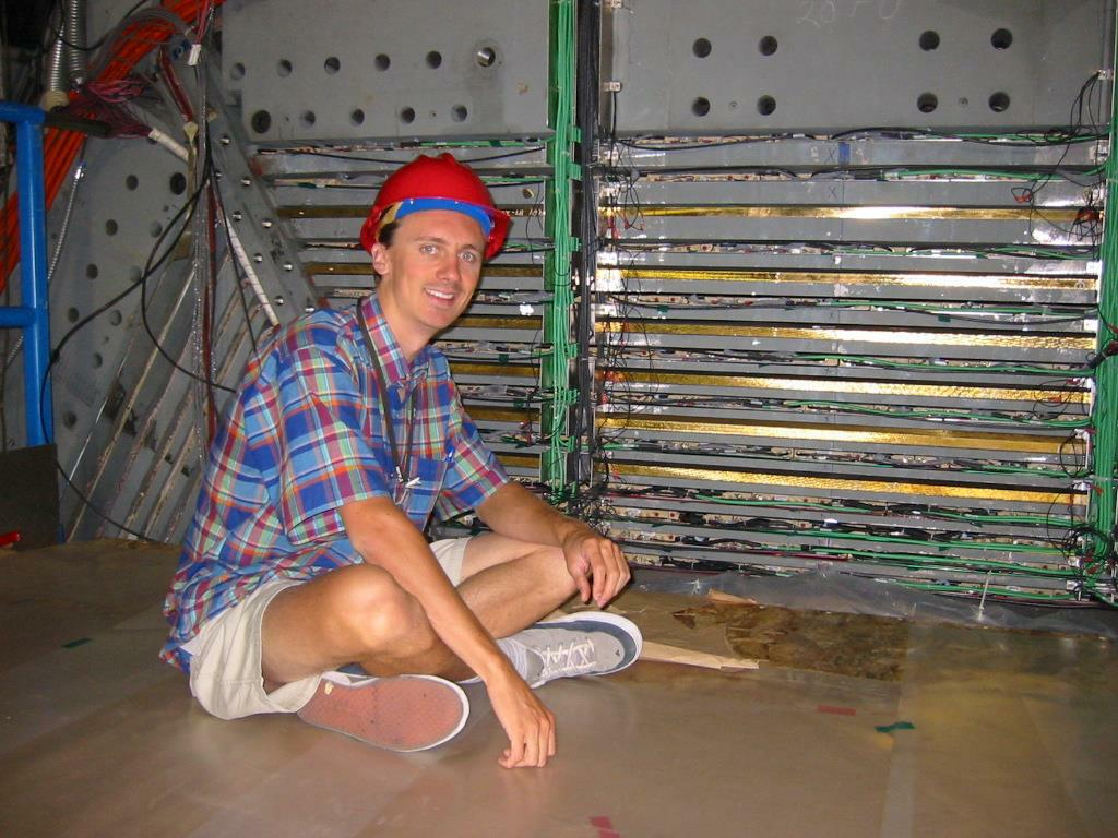 Muon Detection in BaBar with Limited Streamer Tubes - SLAC Graduate Student Seminar                     Bryan Fulsom - April 27, 2005